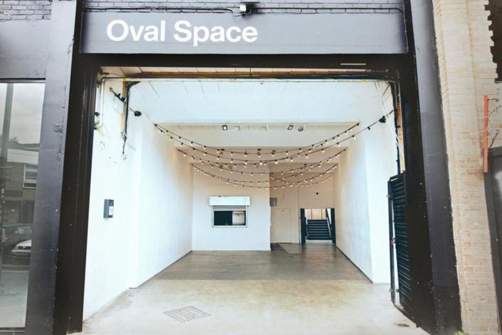 Oval space location